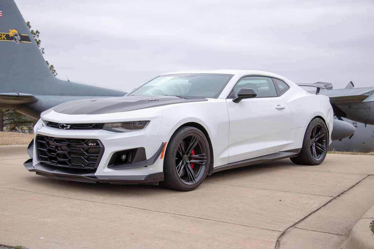 2018 chevrolet camaro zl1 w   1le track package